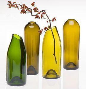 bouteilles-de-vin-transformées-en-vase