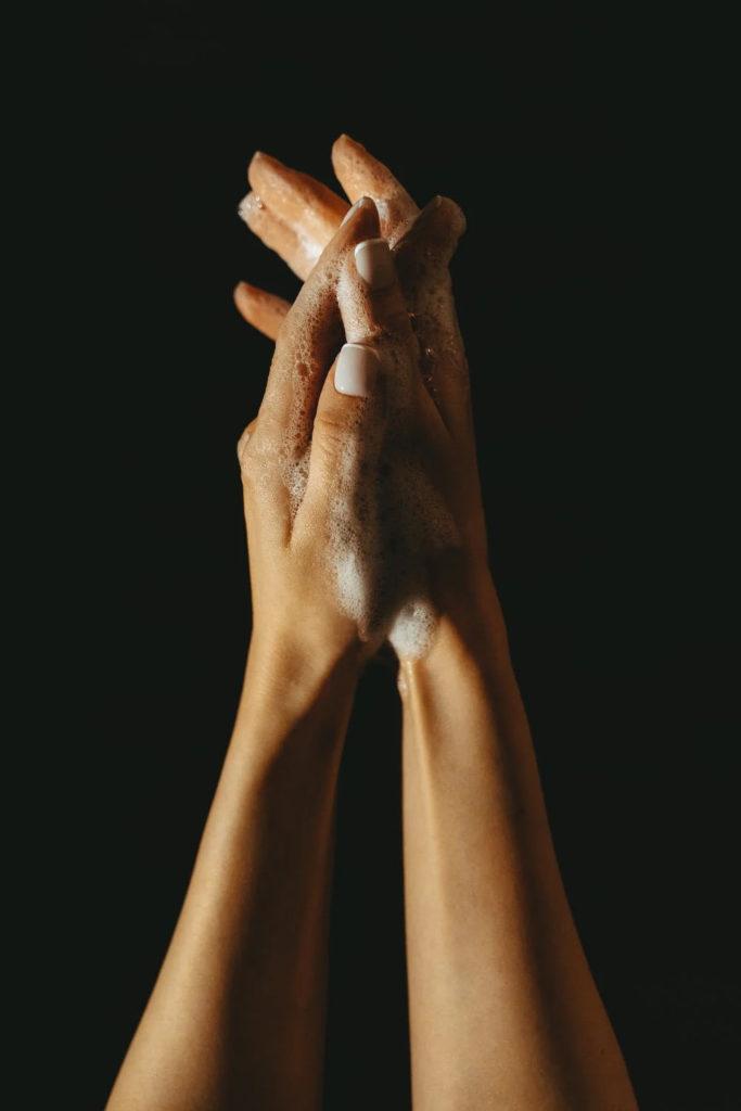 laver les mains est essentiel pour ne pas attraper le covid